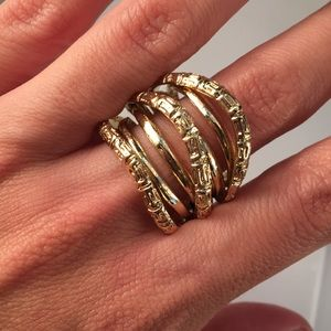 Jewelry - Beautiful Costume Gold Ring
